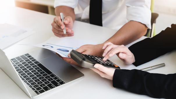 Konsultācijas grāmatvedības un nodokļu jautājumos